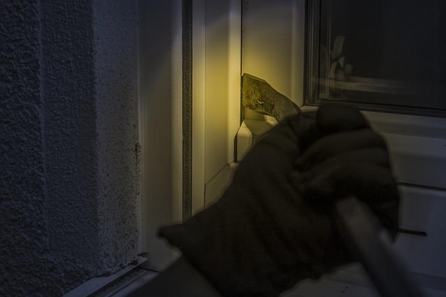 Consejos para evitar robos en casa en verano